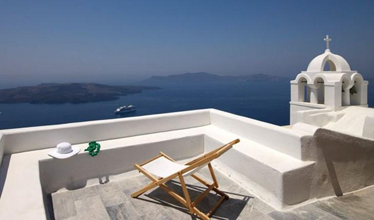 Aigialos Santorini