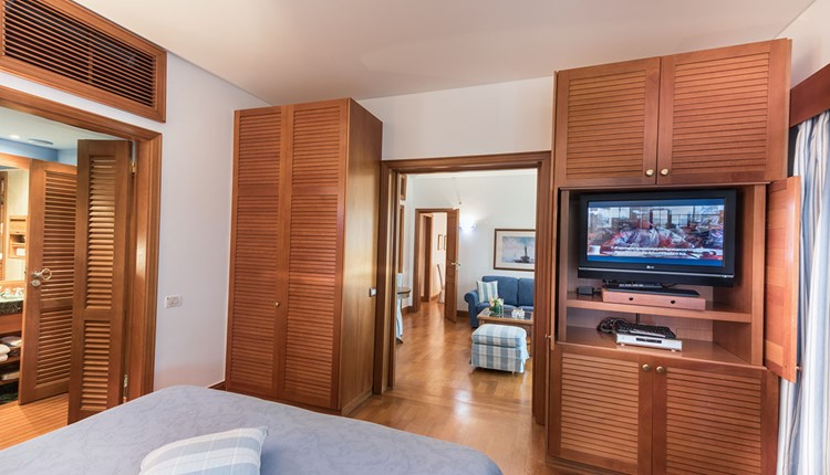 Deluxe Family Hotel Suite Sea View (Two Bedrooms)